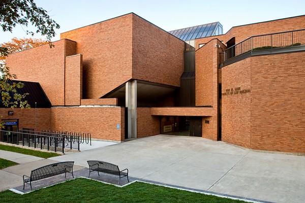 Ron W. Ianni law building