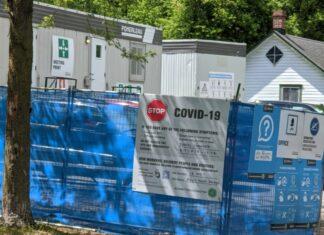 COVID-19 sign Hartwell Locks Ottawa